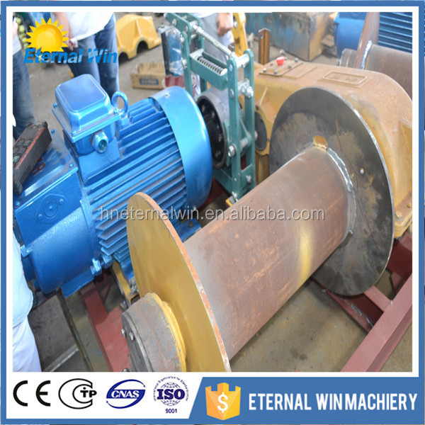 Low speed electric lifting winch with single reel
