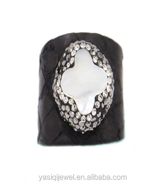 e617006feda1 Venta al por mayor anillos de cuero de moda-Compre online los ...