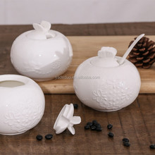 Restaurant ceramic embossed white color seasoning set for cooking porcelain round shape spice cruet with lid and spoon