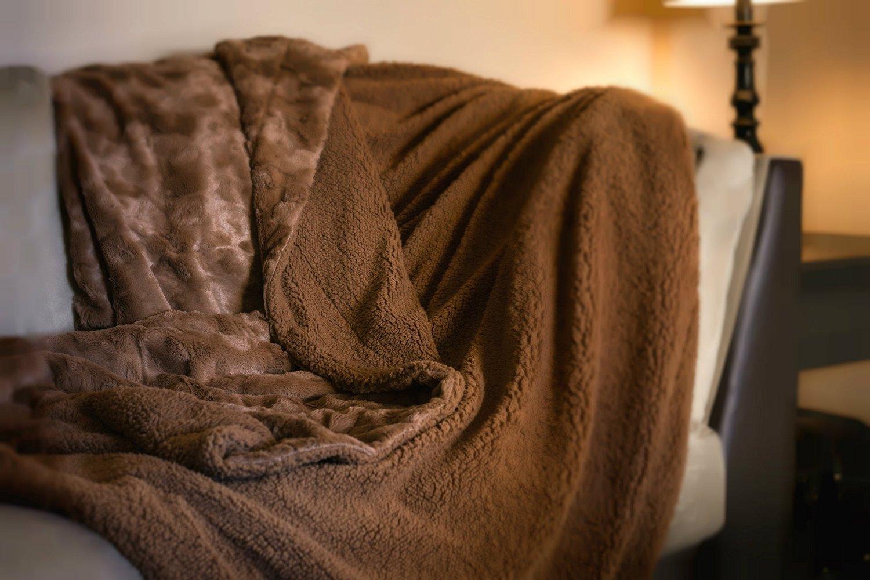 "DaDa Bedding Luxury Solid Cinnamon Mocha Brown Faux Fur with Sherpa Backside Textured Fleece Throw Blanket - Super Soft Warm Cozy Plush Lavish Luxe Toss - 63"" x 87"""