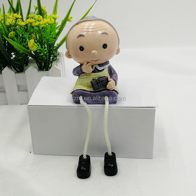 New design custom promotional gifts poly resin figure toy