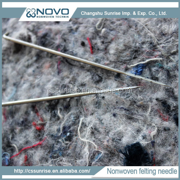 Triangular shaped working part felting needles with good needle packaging