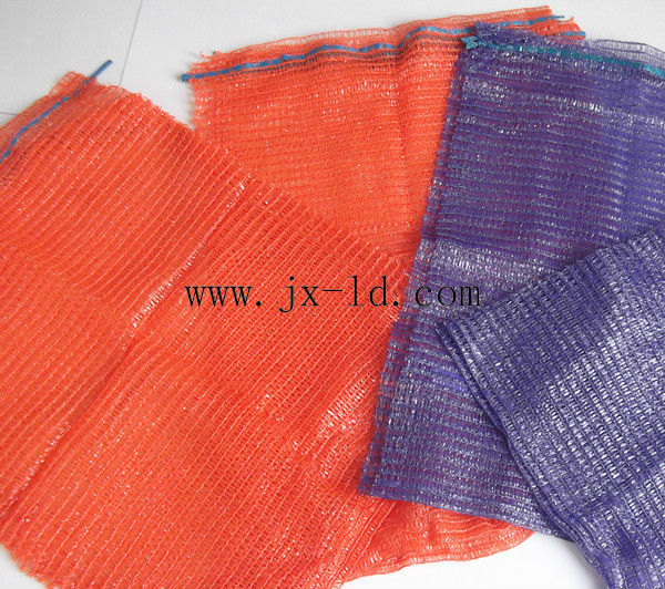 Plastic mesh bags for packing vegetables and fruits
