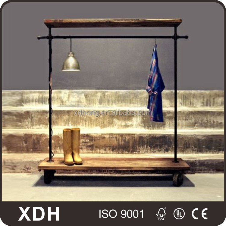 Movable shop display stand vintage industrial clothes display rack with lamp