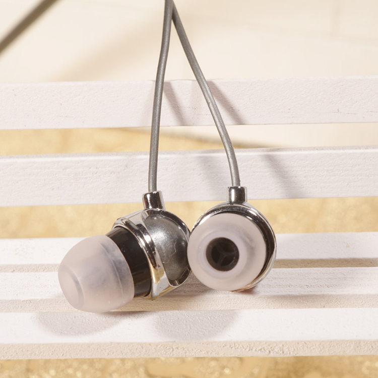 2018 In-ear Stereo Wired Big Bass Earphone For Cellphone