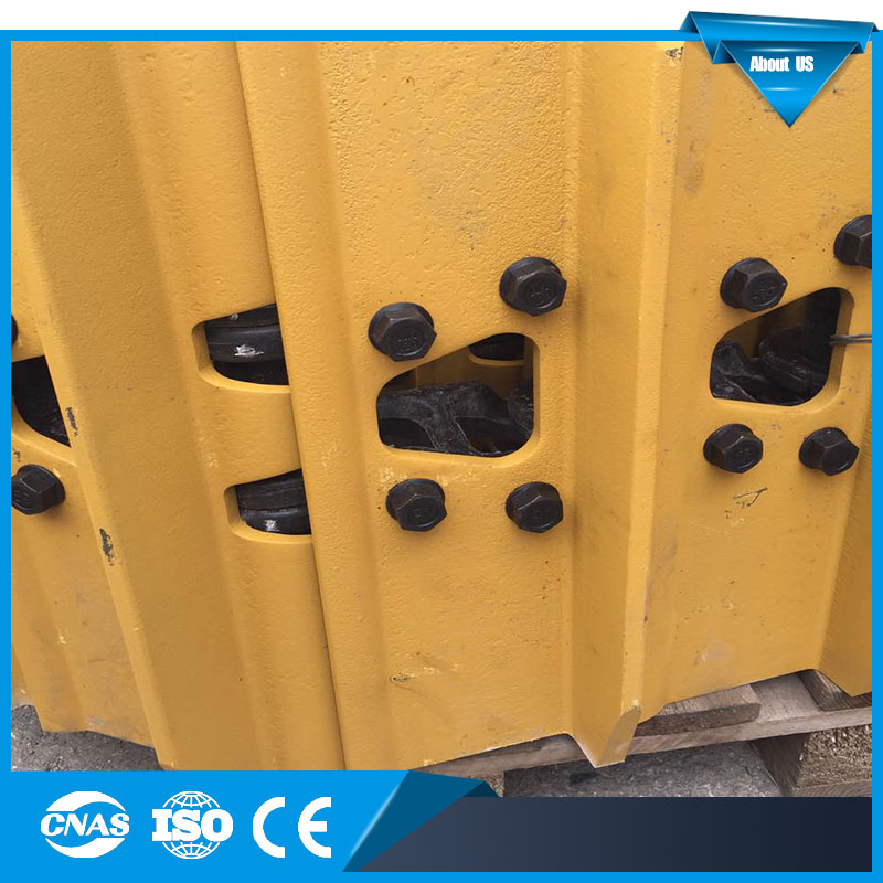 High quality factory sale track show with trapezoid mud leaking hole