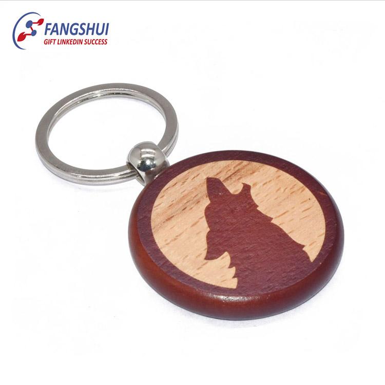 Atacado design personalizado lobo madeira keychain souvenir escultura em madeira chaveiro