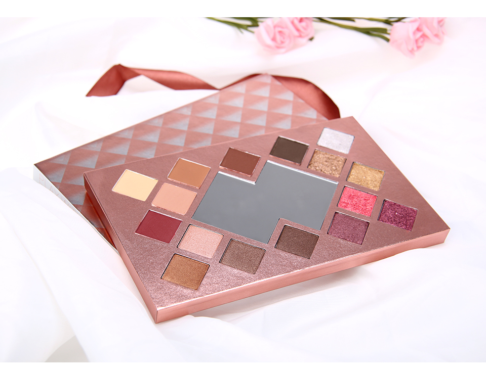 O.TWO.O 16 color eyeshadow palette with mirror glitter eyeshadow