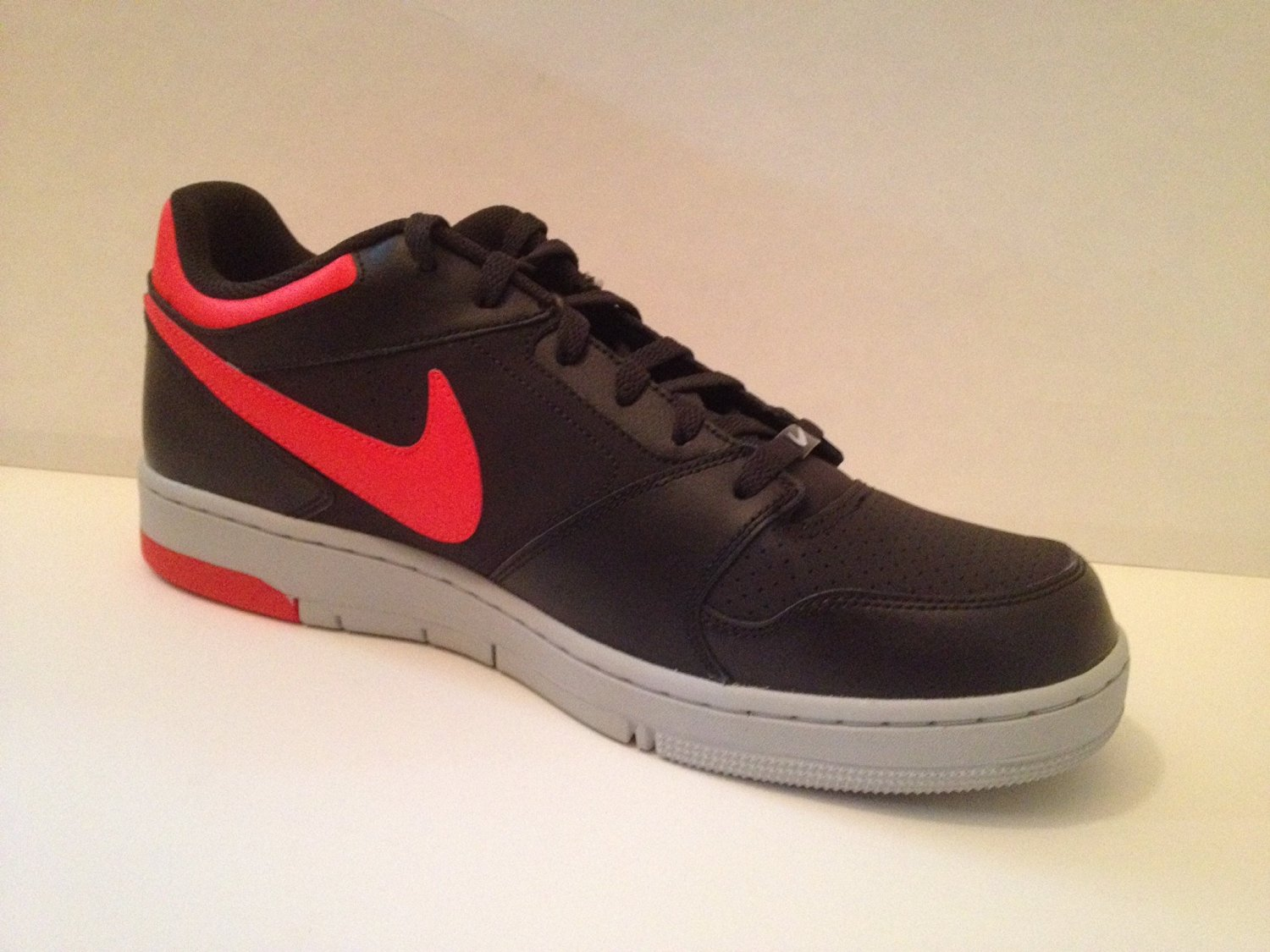 2014 Nike Air Prestige 4 Black/Anthracite Basketball Shoes! Size 13