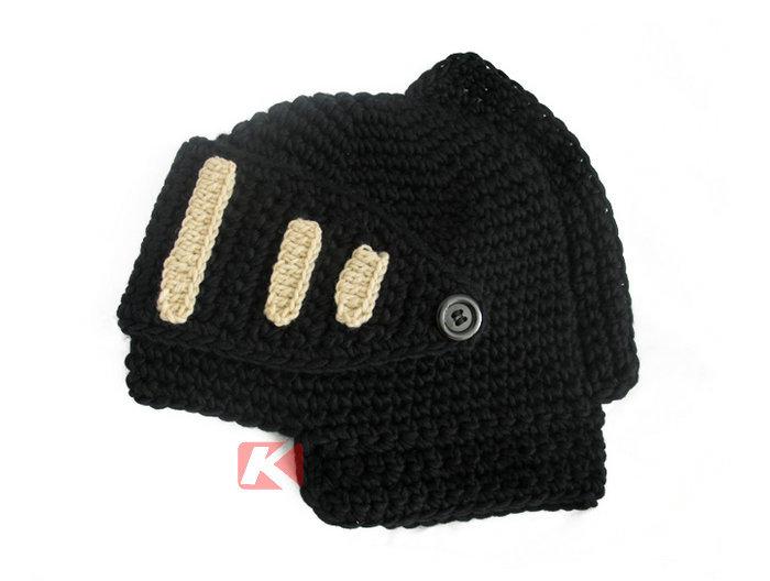 Knight Helmet Hat Knitting Pattern | Queen\'s University Belfast