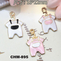 2016 Fashion Custom Lucky Clothes Alloy Jewelry, Gold Engraving Pendant Key Charm Pendant