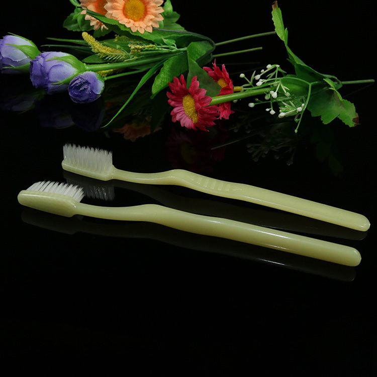 disposable hotel toothbrush price, disposable tooth brush