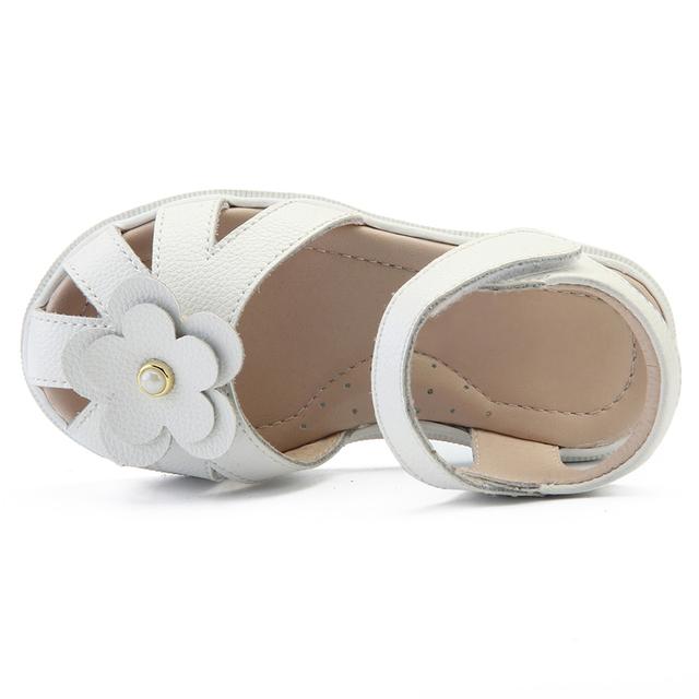 4403a1882821d8 2018 New design fashion style soft sole flat children girls summer sandals