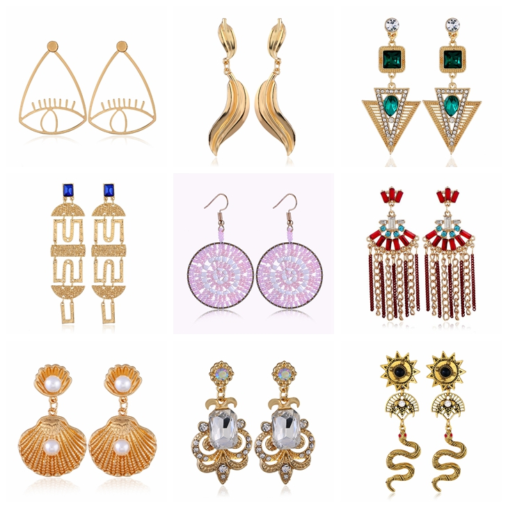Theatrical Eyes Lip and Hands Shape Gold Queen Pendant Earrings Jewelry