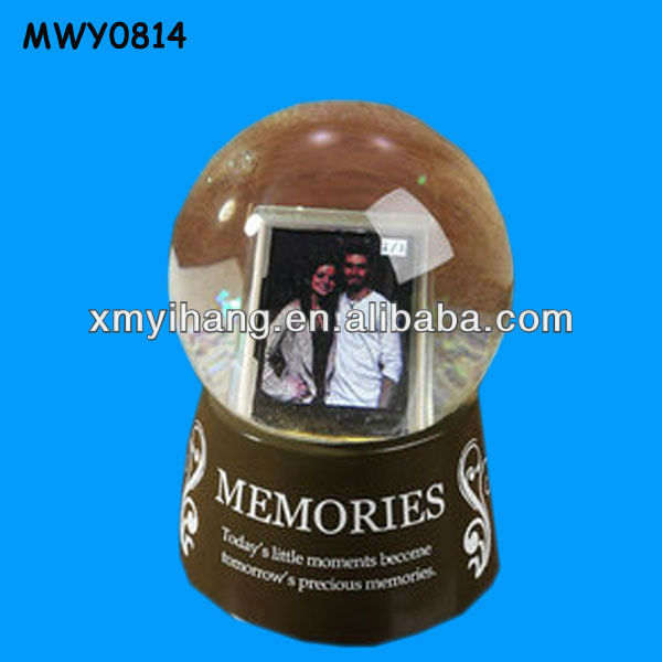 Couples memories resin Photo Frame Water Globe