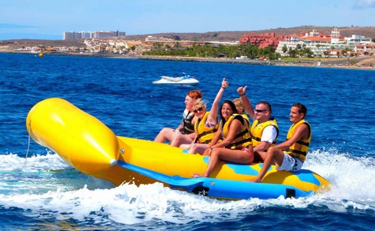 Wholesale  6 Person  Inflatable Flyfish Towable Banana Boat Tube for Water Sports