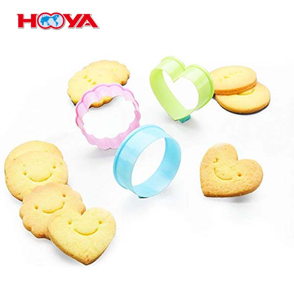 5pcs Multi-size Plastic Cake Cutter Set with Multi-color Cookie Cutter