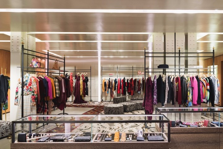 Vivienne-Westwood-flagship-store-by-Fortebis-Group-Paris-France-04.jpg