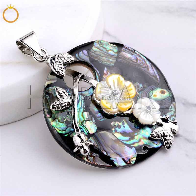 MOP143 Gorgeous Pendant Handcrafted Abalone Natural Sea Paua Shell Pendant with Flowers