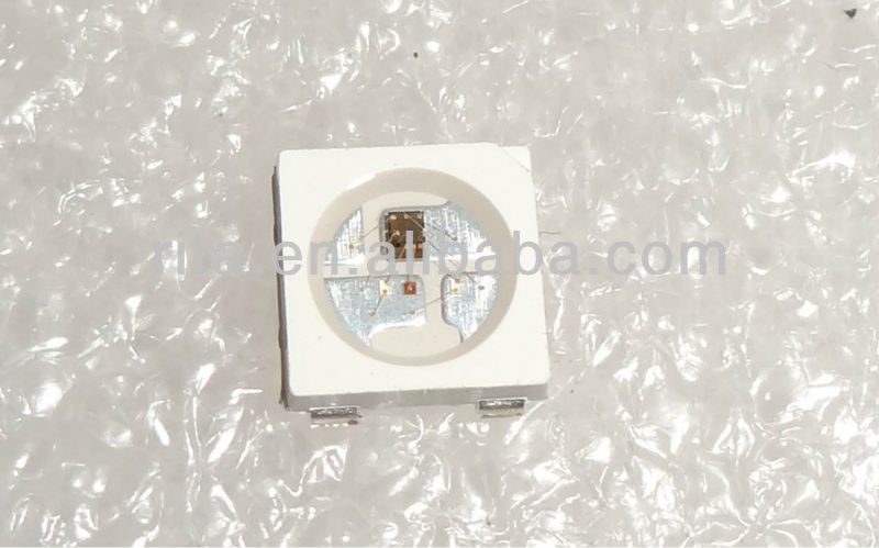 100 pcs WS2812B; 4pin; 5050 SMD LED RGB com WS2811 embutido IC para dentro;