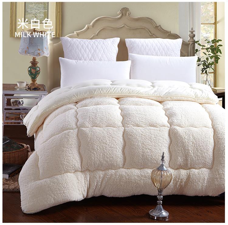 100% Fiber White Brown winter comforter quilt blanket