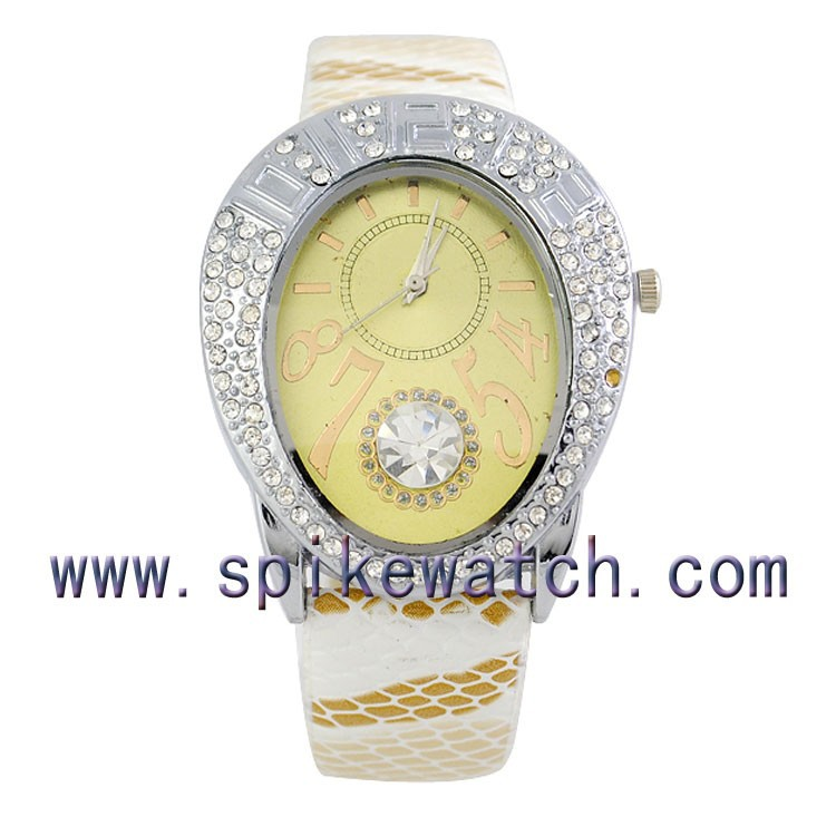 Snake skin pattern leather strap diamond wristwatch gift ideas for graduates