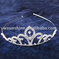Queen style crowns and tiaras
