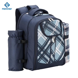 High Quality Luxury Design 600D Polyester 4 Persons Type Portable Picnic Backpack