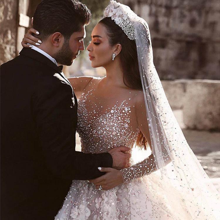 Luweiya Splendido In Rilievo di Lusso Abito di Sfera Con Il Treno Lungo Abiti Da Sposa Abito Da Sposa di Cristallo Abito Da Sposa