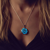 Necklaces & Pendants Heart Hollow out Glow In Dark luminous Maxi Colier Necklaces for Women Girls Gifts