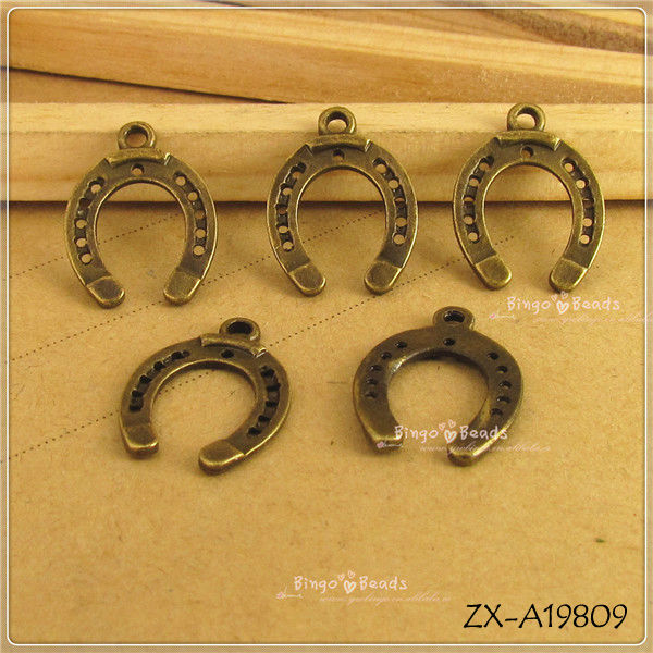 Horse Shoe Charms Lucky Horse Shoe Pendants Horseshoe Charms Horse Jewelry Making DIY Supplies 24x18mm