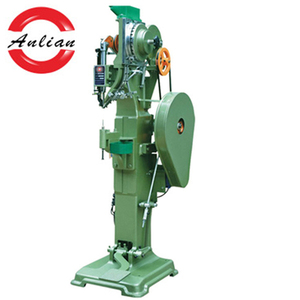 Fully automatic snap fastening machine/rivet machine