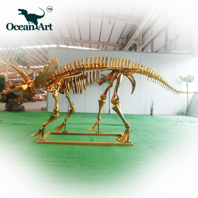 OAC0070 Museum fossil replica triceratops-dinosaurier skeleton gold