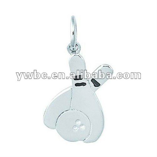 Silver plated happy running elephant zinc alloy charm (H102379)