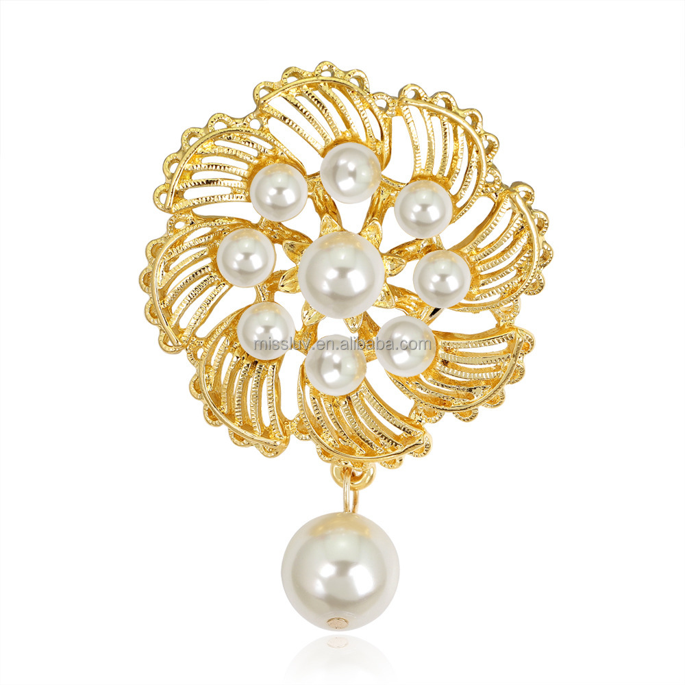 Custom made gold flower brooch crystal wedding souvenir gold flower brooch with pearl charm