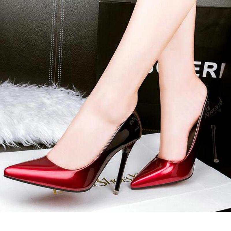 collaborations audacieuses chaussure noir avec semelle rouge bleu homme chaussures
