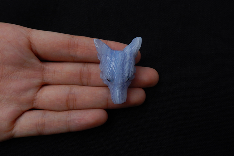 Fantastic Gemstone Blue Lace Agate Wolf Head Pendant Beads Detailed Carving 39x26x14mm 12.1