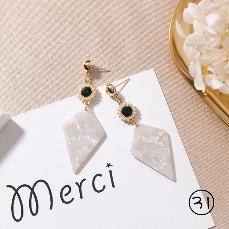 Korean Style Women Hand made Shell Petals Geometric Round Metal Asymmetric Long Earrings Sweet Love Earrings