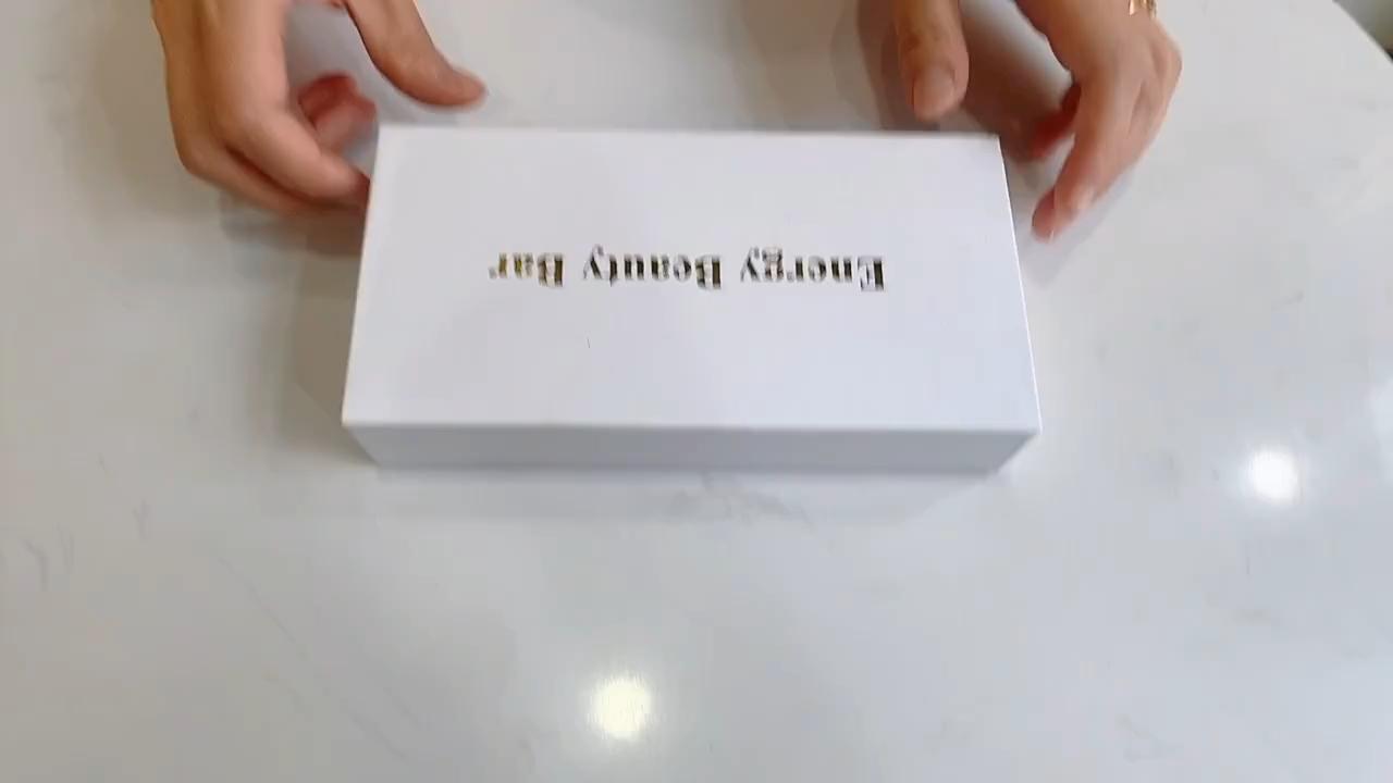 2020 인기있는 안티 링클 뷰티 제품 맞춤 진동 전기 옥 롤러 얼굴 마사지 로즈 쿼츠