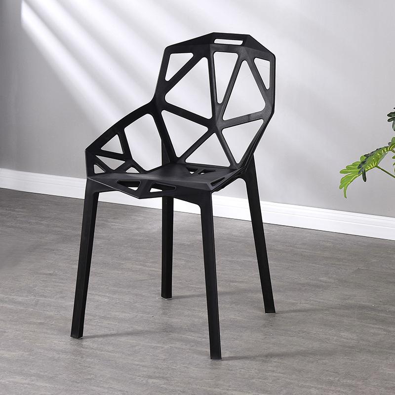Precio barato estilo simple muebles para el hogar moderno fábrica de producir apilable de comedor silla de plástico