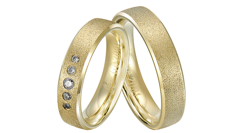Elegant diamond ring with gold plated for wedding and engagement couple