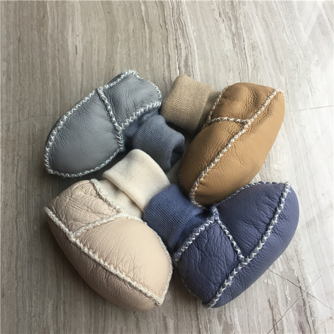 Wholesale baby shoes and boots booties baby soft sole sheepskin shoes