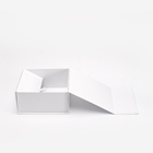 Wholesale Empty Small Custom LOGO Fashion White Packaging Paper Cardboard Gift Folding Magnetic Boxes