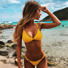 2020 großhandel Sommer Bademode <span class=keywords><strong>frauen</strong></span> Gerippte Mode Reine Farbe Schnalle Backless Tanga <span class=keywords><strong>Bikini</strong></span>