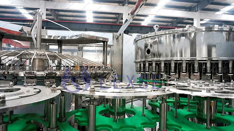 Volle Automatische Reines Trinkwasser Glas Flasche Kunststoff Flasche Wasser, Der Maschine