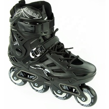 Munchi Groothandel PU 4 Wielen CNC Aluminium Chassis Freestyle Knipperende Roller Inline Skates Voor Mannen