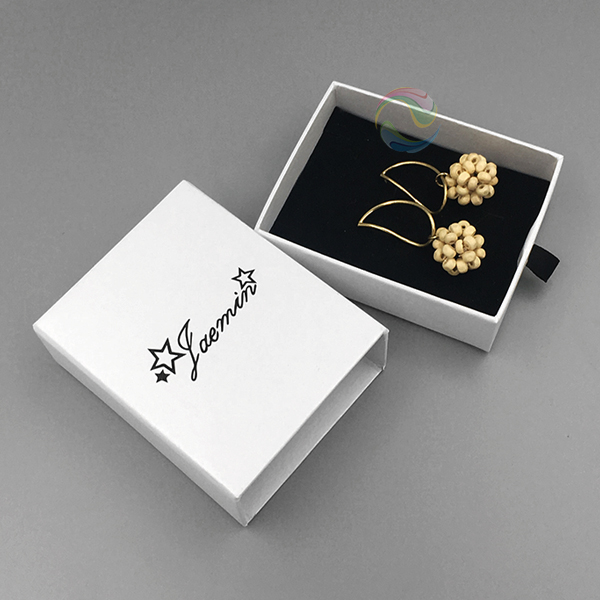 earrings box 10.jpg