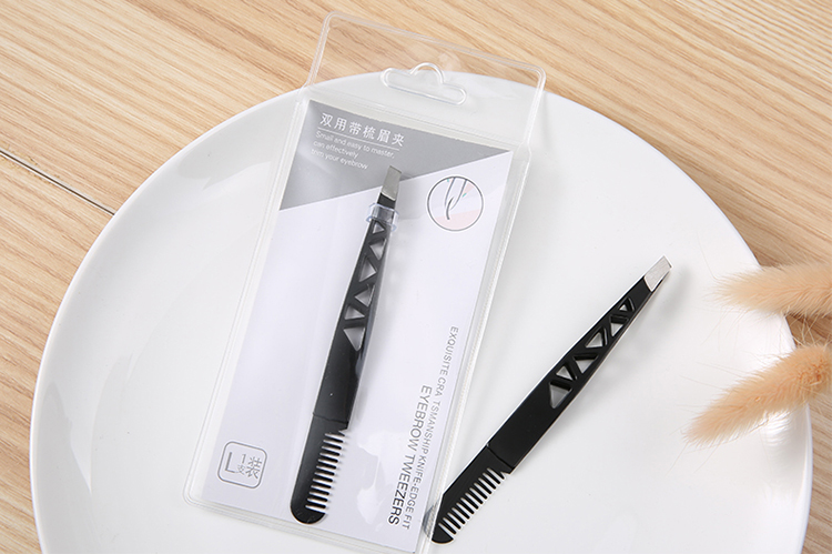 Wholesale Cosmetic Tweezers Stainless Steel Eyebrow Tweezers and Eyebrow Hair Remove Clip with Comb