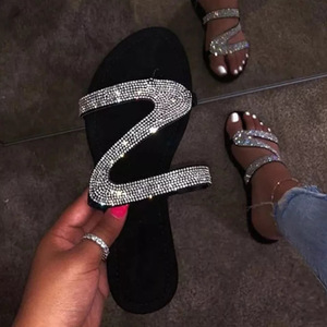 2020 Amazon hot sale summer new European and American bright diamond flat sandals and slippers