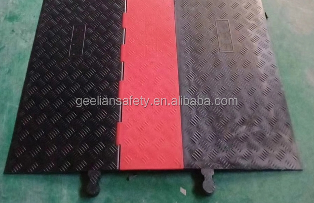 Medium Duty 3 Channel Cable Floor Cover /Rubber Cable Protector/Cable Ramp For Wedding Events